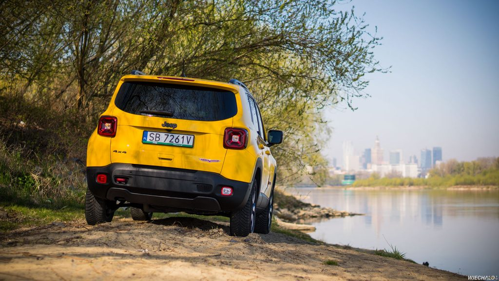 Jeep Renegade - tapeta - 02